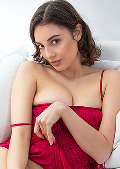 Hispanic Beauty Calypso Bare Her Gorgeous Breasts And Pussy